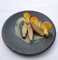 Piept de rață cu piure de cartofi cu trufe și sos de portocale