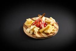 Platoul cu brânzeturi image