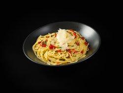 Spaghete Aglio Olio e Peperoncino image