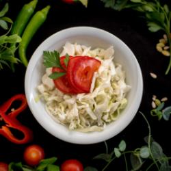 Salată de varză cu roșii image