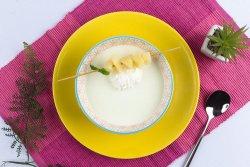 Supa crema de pepene galben cu bucati de ananas si frisca