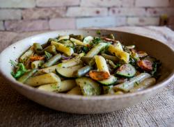 Fettuccine & vegetables image