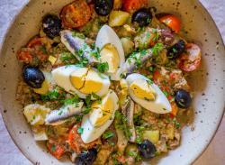 Salată Niçoise image