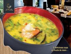 Supă cu fructe de mare - Chef `s signature image