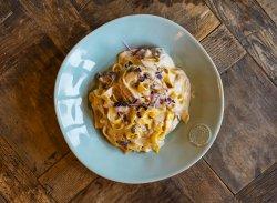Tagliatelle cu prosciutto și ciuperci de pădure image