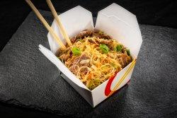 Tăiței de orez cu carne de pui