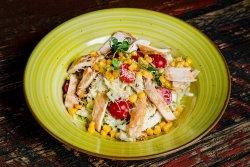 Salată pollo