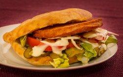 Hamburger șnițel de pui