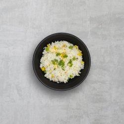 Orez prăjit cu legume și ouă image
