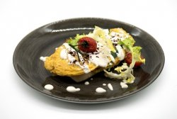 Florentine omelette with creamy tahini image
