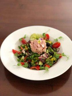Salată cu file de ton mediteraneo / Tuna salad image