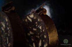 Salam de biscuiți glazurat cu ciocolată