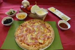 Pizza Prosciutto Formaggi image