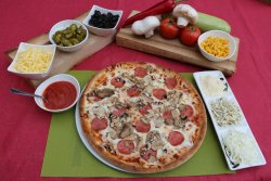 Pizza Salami Funghi image