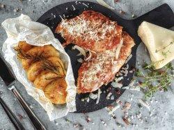 Pollo alla parmegiana con patate saltate in padella  image