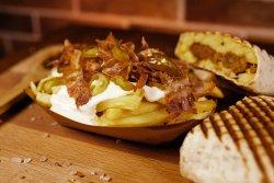 Cartofi + sos brânză + bacon + jalapenos image