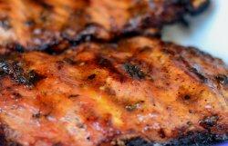 Scaricica de porc la cuptor cu cartofi si sos Barbeque