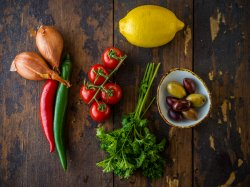 Meniu Șnițel de pui panko cu piure de cartofi și salată image
