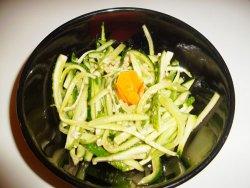 Salata de castraveti cu usturoi