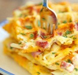 Omleta simpla cu topping de mozzarella