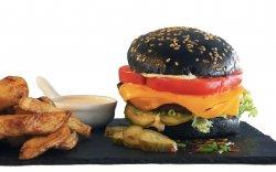 Cheesy Vegan Burger cu cartofoi wedges  image