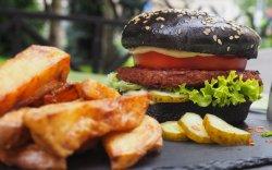 Vegan Burger cu cartofi wedges