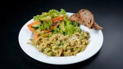 Scrambled eggs & Avocado, mixt de salată, pâine prăjită  image