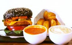Supreme Bully's - Vegan Burger cu cartofi prăjiți, maioneză vegană și sos de roșii image