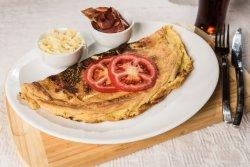 Omletă cu bacon și cașcaval image
