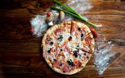 Pizza Capriciosa Family