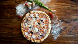 Pizza Țărănească Family