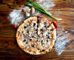 Pizza Tonno e Cipolla Family