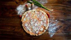 Pizza Prosciutto e Funghi Family