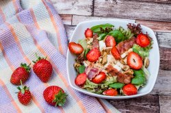 Strawberry Chicken image