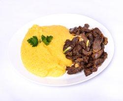 Pastramă de oaie cu mămăliguță image