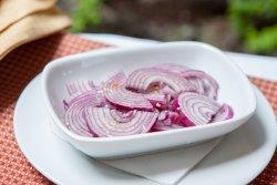 Salată de ceapă roșie image
