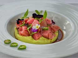 Tuna sashimi with avocado paste  image