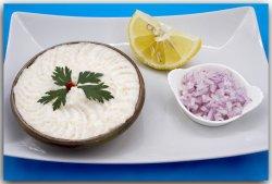 Salată icre știucă cu ceapă + 1 chiflă și ceapă image