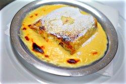 Clătită cu brânză și sos de vanilie