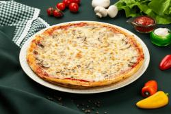 Pizza Prosciutto e Funghi Single image