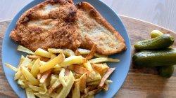 1+1 GRATUIT: Șnițel de pui + cartofi prăjiți proaspeți