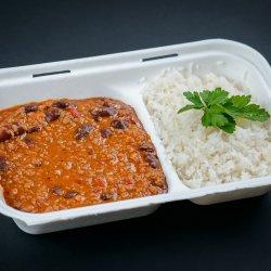 Chilli con carne cu orez și salată varza image
