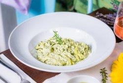 Paste Pesto în sos de smântână