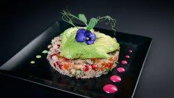 Salată quinoa cu avocado image