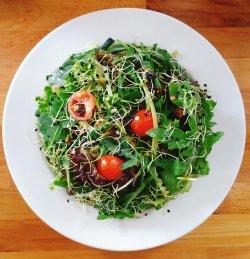 Salată verde cu ciuperci pleurotus – vegană/de post  image