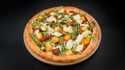 Pizza cu Halloumi image
