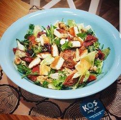 Salată de rucola cu Kefalotyri