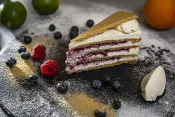 Cheesecake cu ghimbir și fructe de pădure