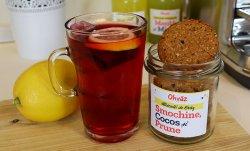 BiscuițI cu prune, smochine, cocos image