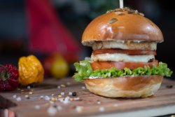 Halloumi Burger (fără carne)